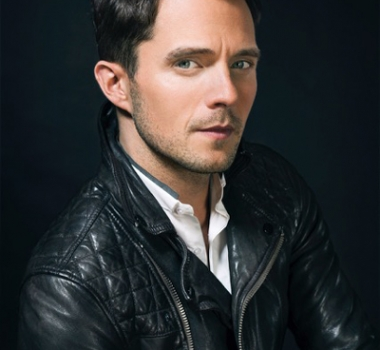 Eli Lieb Wins Award For Allstate's 'Out Holding Hands' Campaign